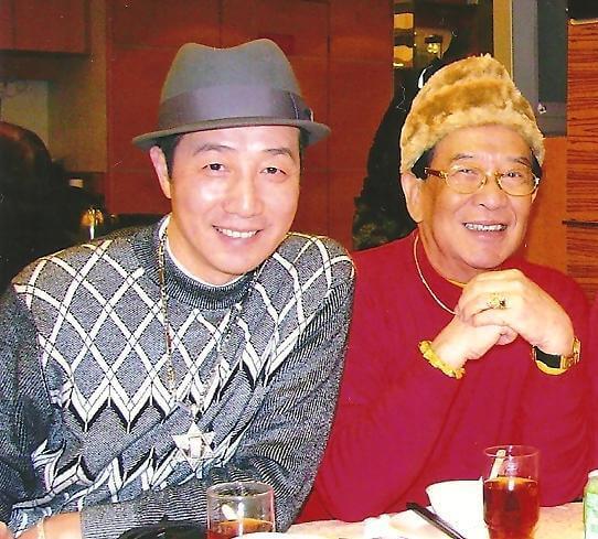江圖一直單身,他跟契仔江暉一起生活廿年,情同父子,契仔幾年前肝癌病逝,令他不勝欷歔。