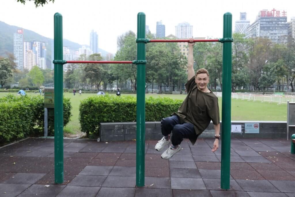 胡渭康每星期有三日高強度訓練,他認為運動是保持青春的良方。