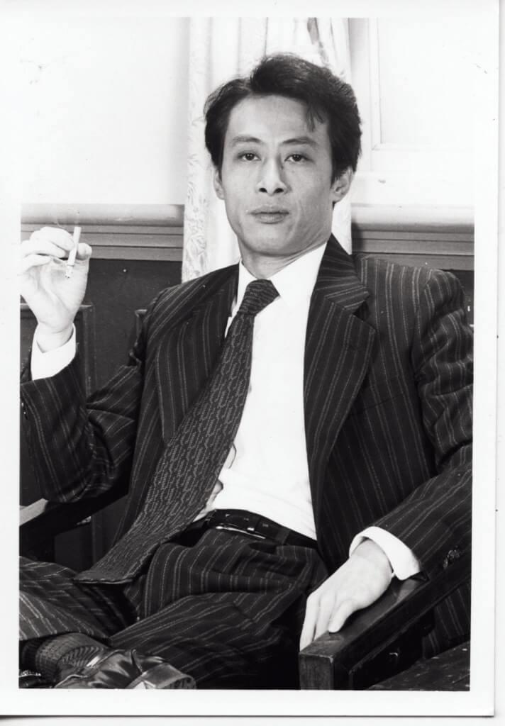 棠哥早年煙癮甚大,後期為保持身手露活決定戒煙。