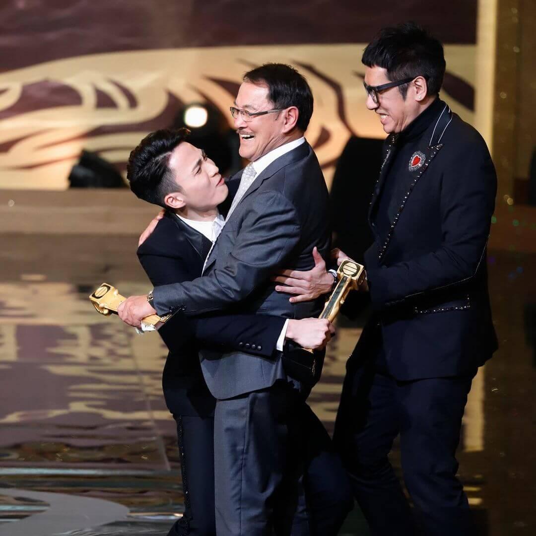 周嘉洛曾於《萬千星輝頒獎典禮2019》獲頒「最佳男配角」