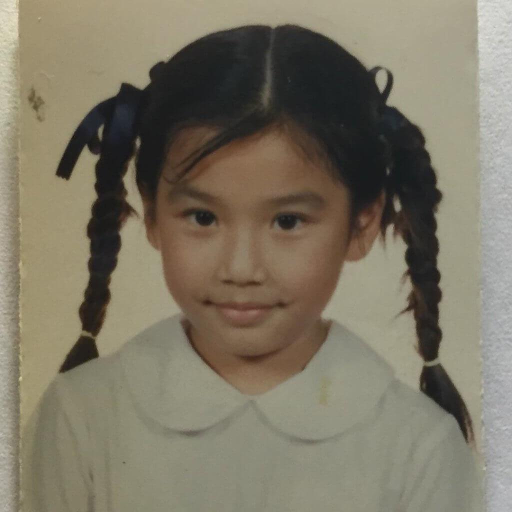 黃智雯小學時代是個孖辮妹,也是個超級米高積遜迷。