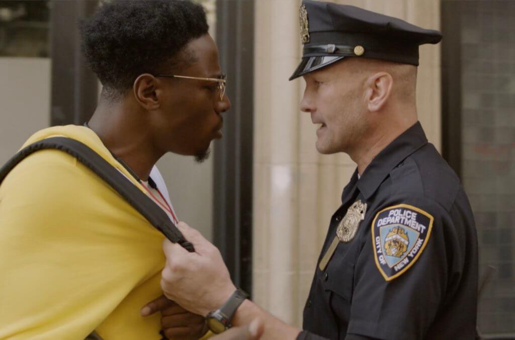 出爐奧斯卡最佳短片《陌路相逢》主要圍繞一名年輕黑人漫畫家及一名紐約警察,拍得超精采。