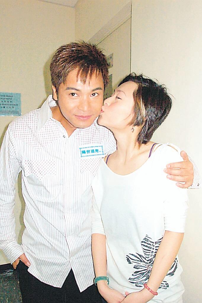 歐倩怡和郭晉安九九年拍旅遊節目擦出愛火花,她在無綫做了七年郭晉安女友。