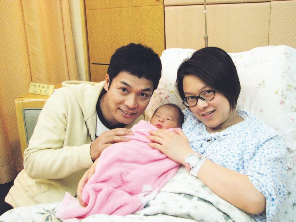 ○八年郭晉安夫婦迎來長子Brad郭令山,歐倩怡首次做媽媽時廿八歲。