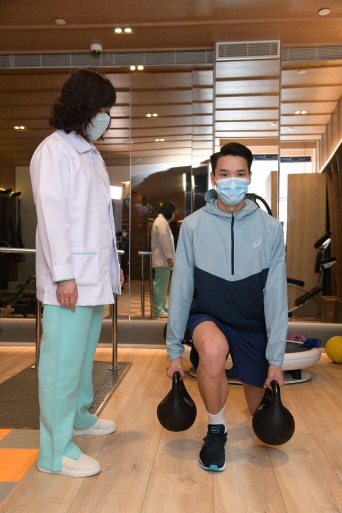 陳仲泓是跨欄運動員,日常要進行大量運動操練。