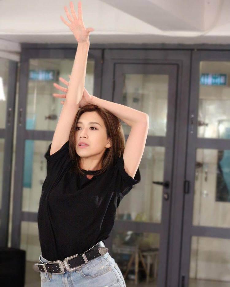 黃智雯習舞多年,在演藝學院修讀音樂劇舞蹈。