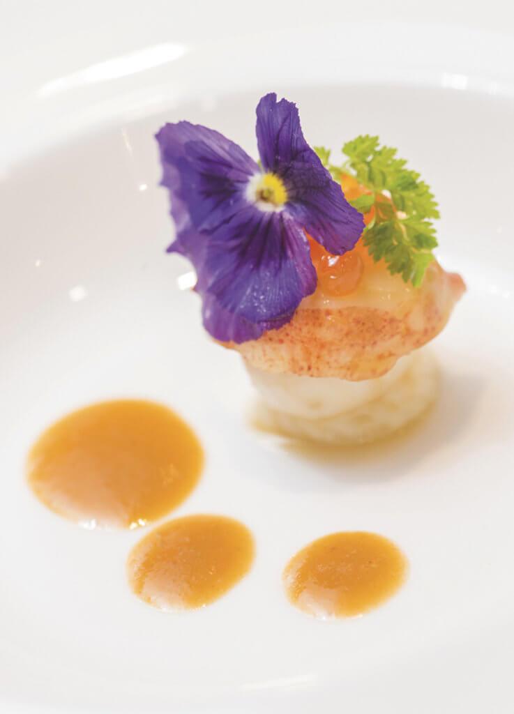由米芝蓮星級或國際知名大 廚親授烹飪的法國菜式。