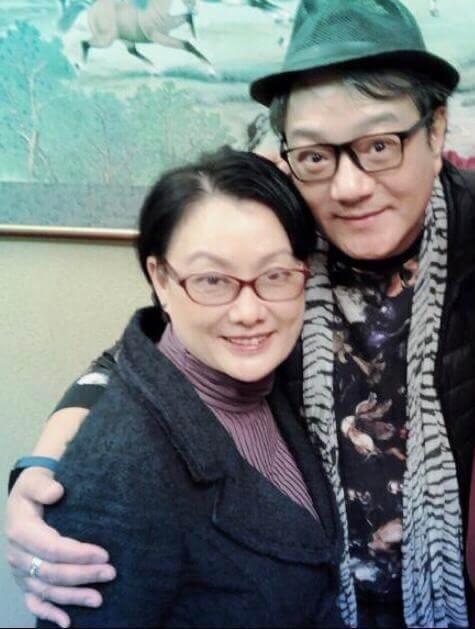 魯振順與女友相差6歲,是41年前一起參加歌唱比賽的同學。