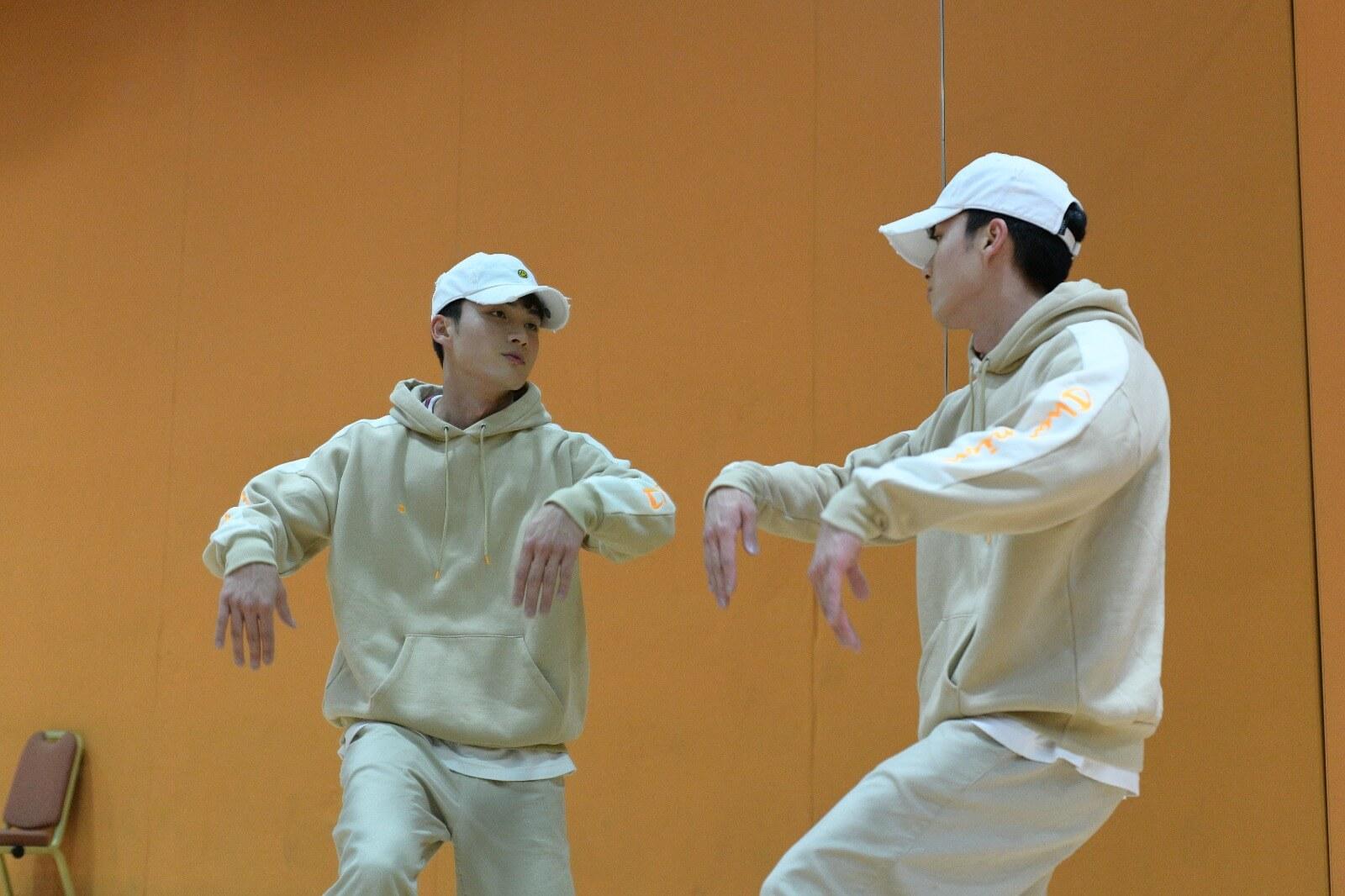跳舞的每一個動作,都運用到身上各部位的肌肉。