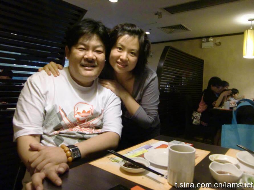 林雪去年偕太太赴內地老家,探望患病的岳父,以盡孝心。