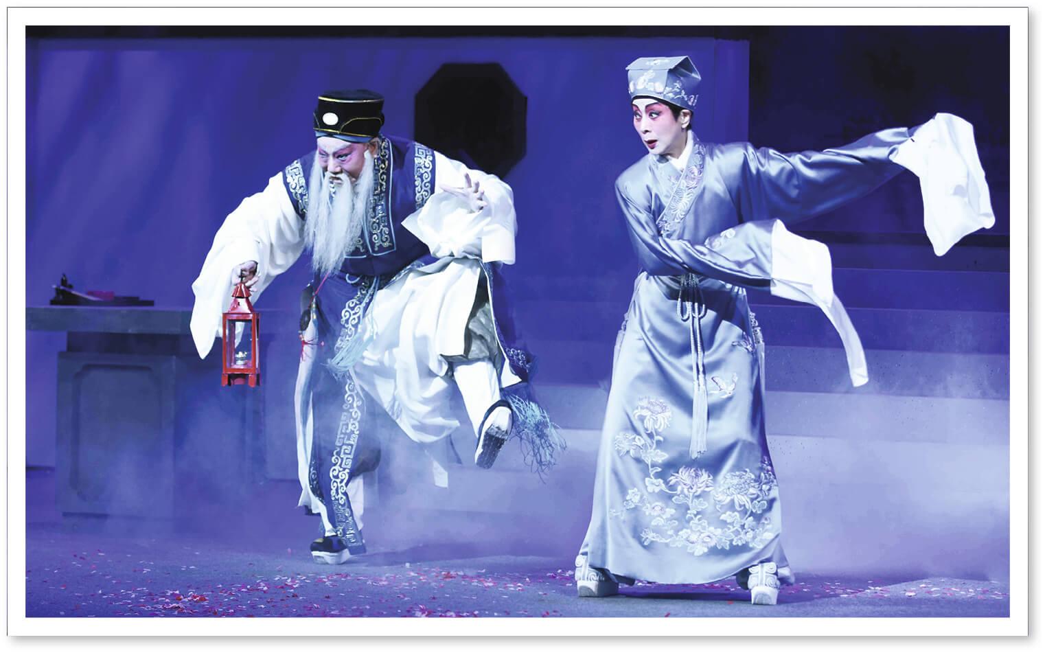 尤聲普在《牡丹亭驚夢》中飾演陳最良,與他連場對手戲的陳寶珠,說尤聲普在指導後輩方面不遺餘力,令她獲益良多。