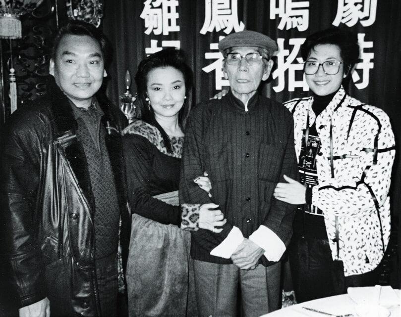 八八年,仙姐重組雛鳳鳴,尤聲普加入開始做丑生,與雛鳳和靚次伯演過不少好戲。
