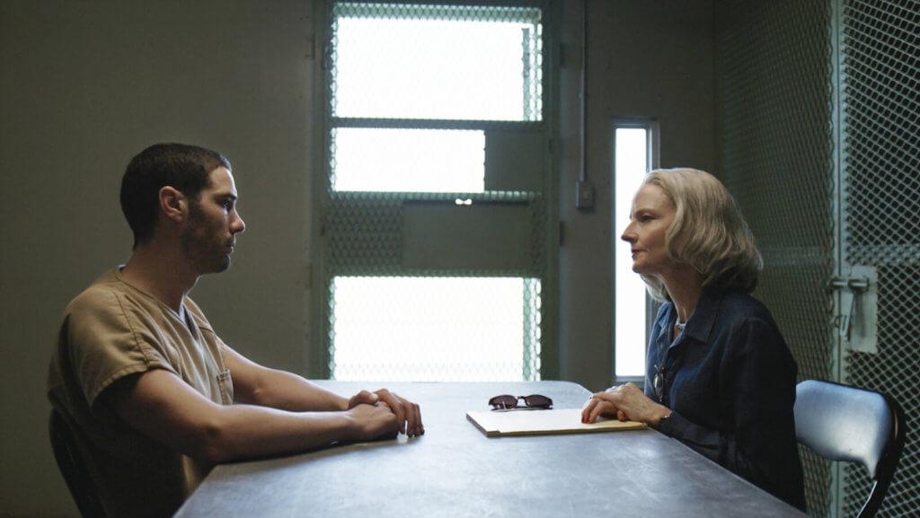 化老妝的茱迪科士打在《誣罪審判》飾演辯護律師,為男主角鍥而不捨追尋公義。