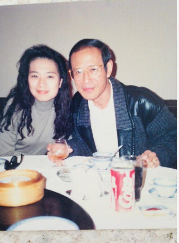 吳麗珠雖然因父親爛賭,童年時捱過窮,但長大後仍很疼惜爸爸。