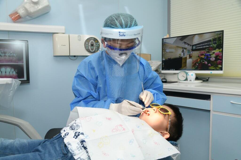 小朋友想牙齒健康, 記得減少零食次數。