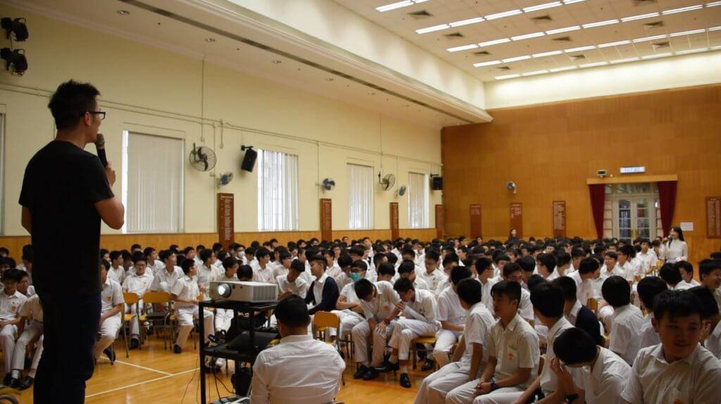 趙增熹成立社企「大台主」,培育想做音樂的學生。