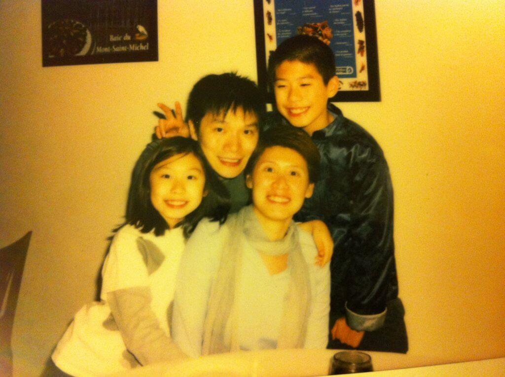 趙增熹在華星時代娶了公司的秘書,育有一子一女。