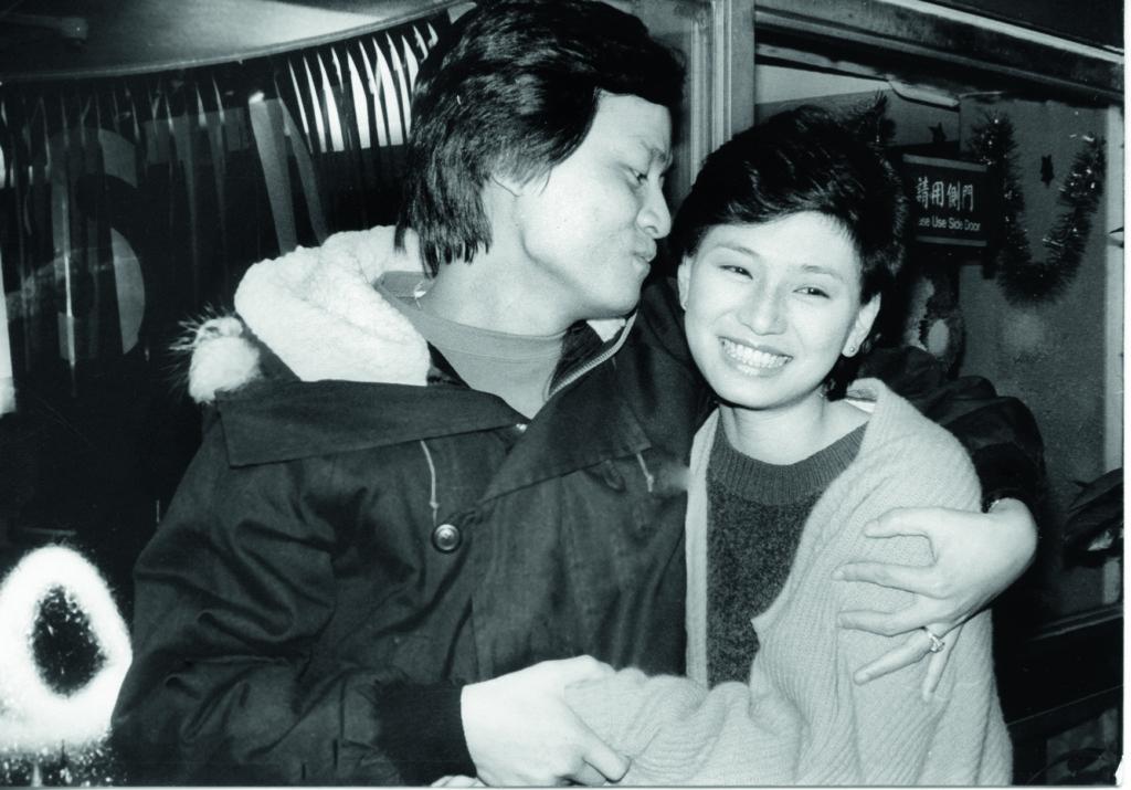 吳麗珠在訓練班與陳百燊開始拍拖,戀情維持了幾年。