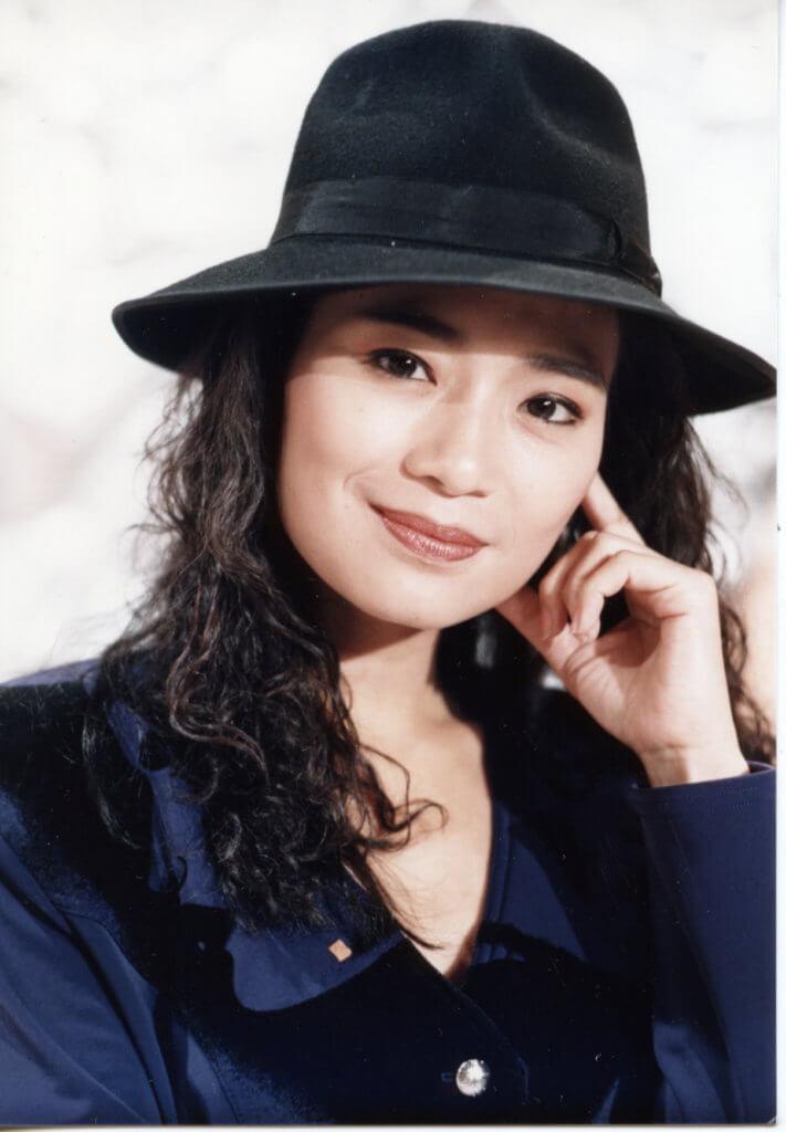 吳麗珠曾經一個人打五份工,身兼TVB藝人、登台、地產經紀、股票投資、手錶代理。