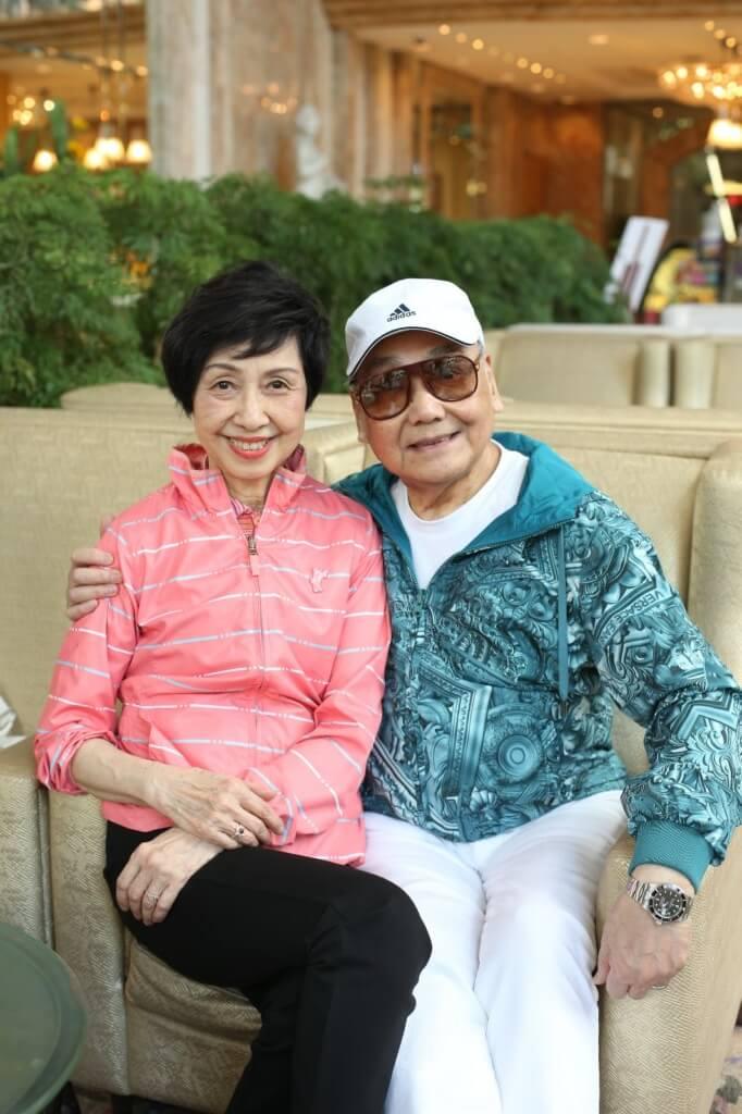 普哥和太太恩愛六十年,尤太難忍離別哭乾了眼淚。