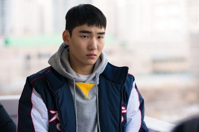 陳俊翔今年十七歲,這次做國中學生可算是得心應手。