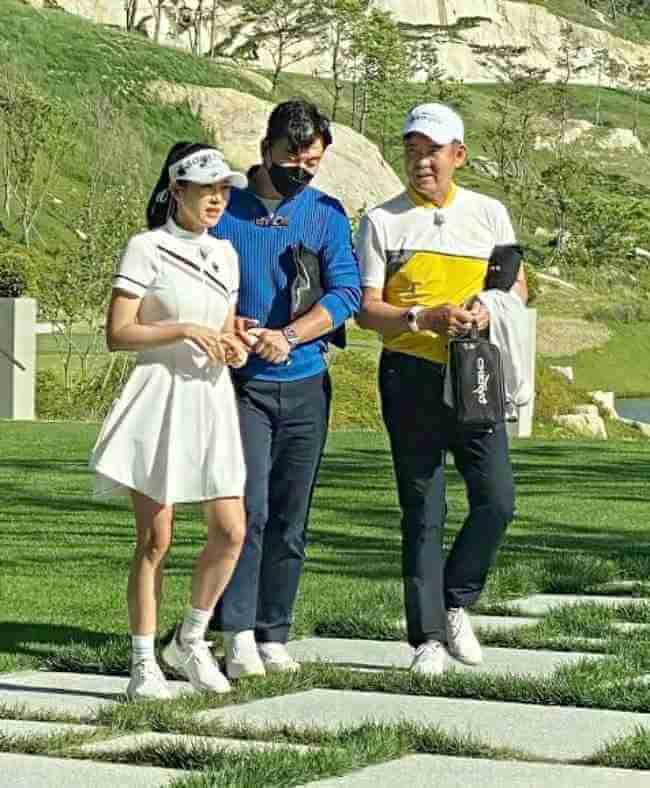 近期頻頻練習高爾夫球的孫藝珍,慘被網民笑她自曝腳短。