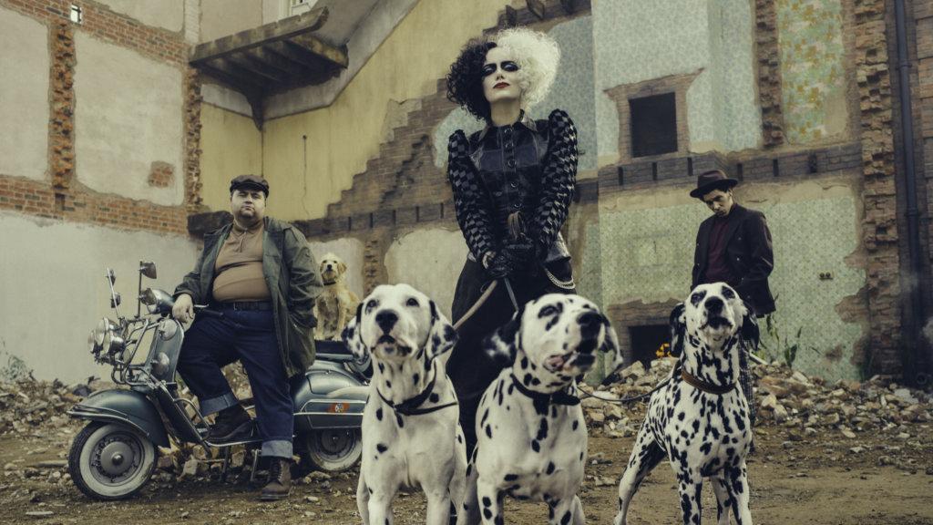 愛瑪史東主演的《黑白魔后》,是近期最令人賞心悅目又稱心滿意的外國商業娛樂片。
