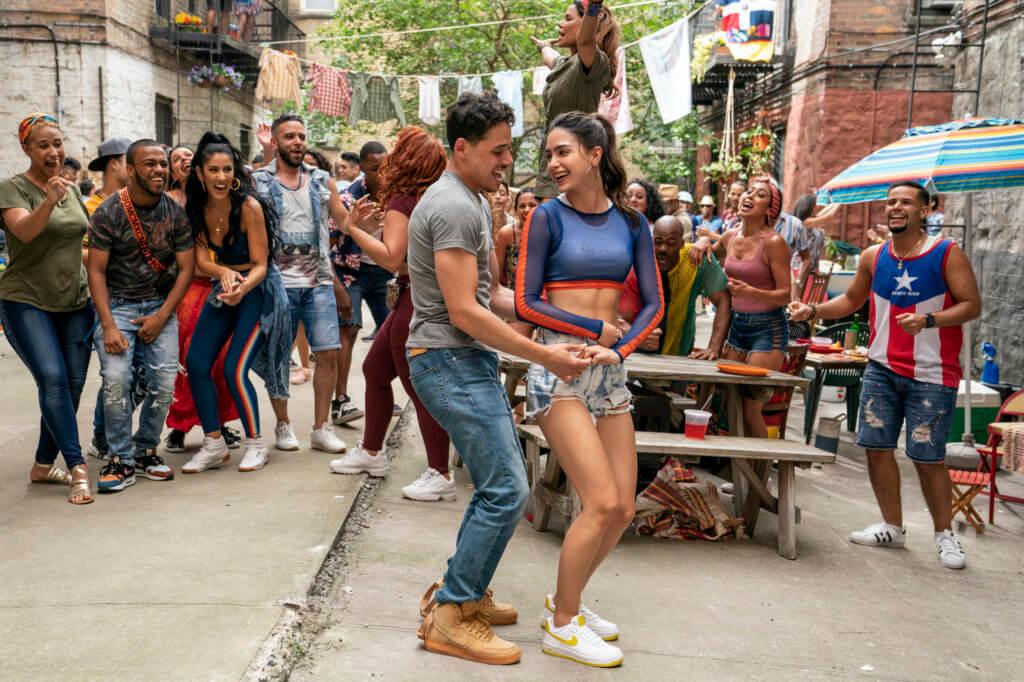安東尼拉莫斯在《狂舞紐約》中,帶出生活在紐約華盛頓高地一羣小人物各自追夢的喜怒哀樂,亦跟女主角Melissa Barrera情路兜兜轉轉。