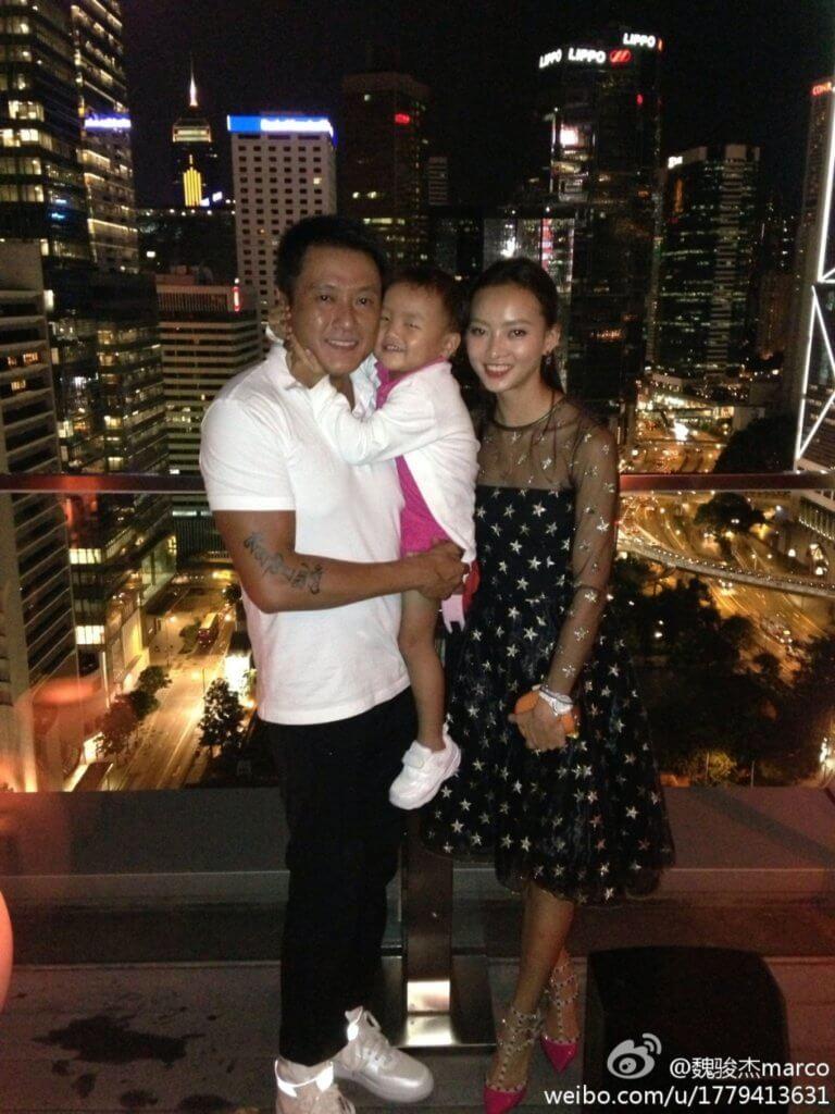 魏駿傑一家三口,去年他宣布和太太離婚。