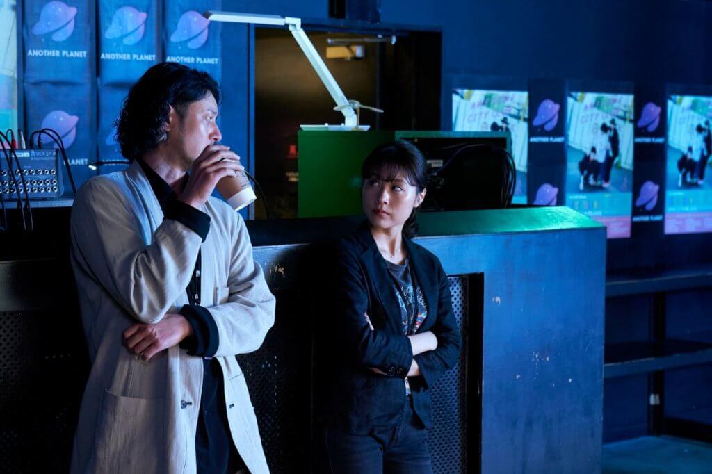 小田切讓在片中扮演有村的新工老闆,襯托女主角感情出現問題時依然沒有出軌行為。