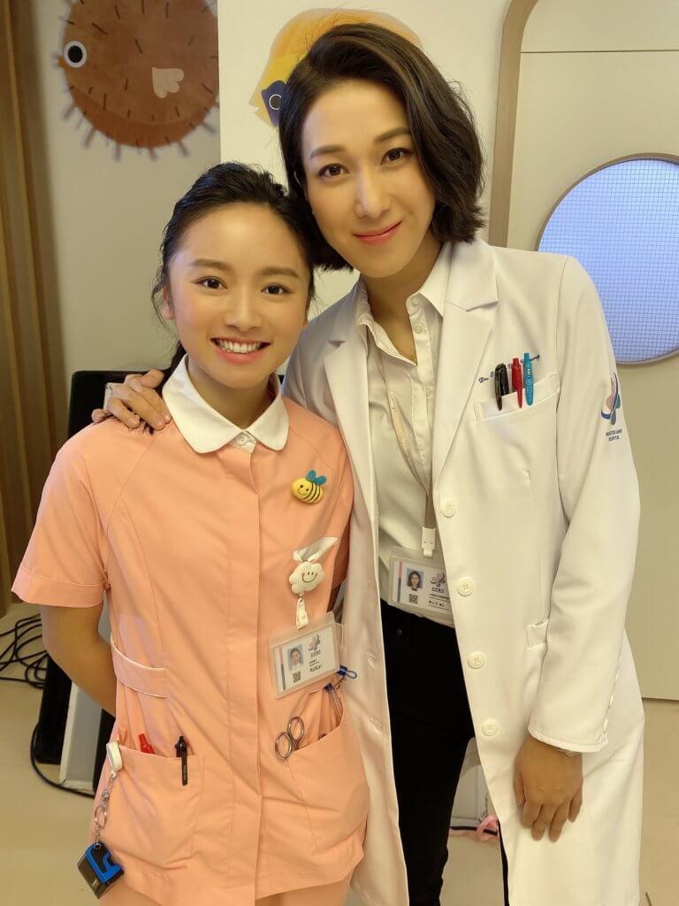 她在劇集《星空下的仁醫》跟鍾嘉欣合作,飾演護士。