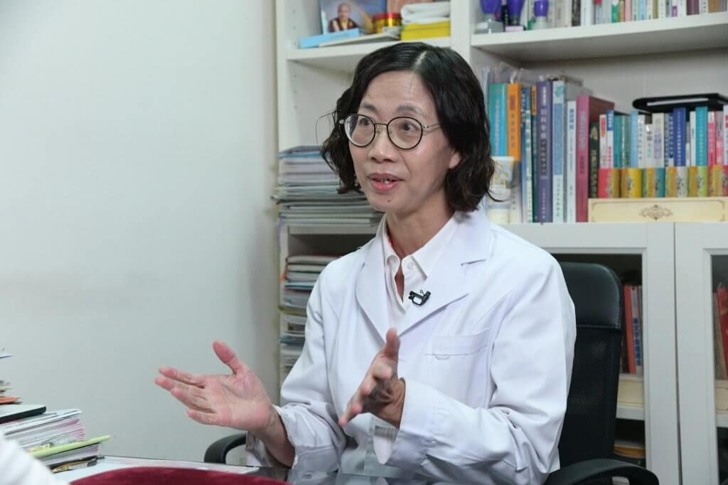黃梅芳醫師認為女性應該早在更年期前該進行身體調理。