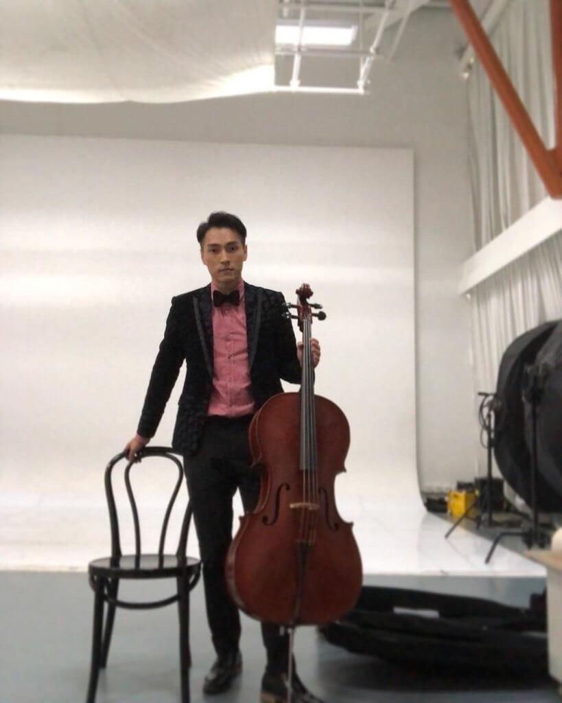 林景程讀書時學過大提琴