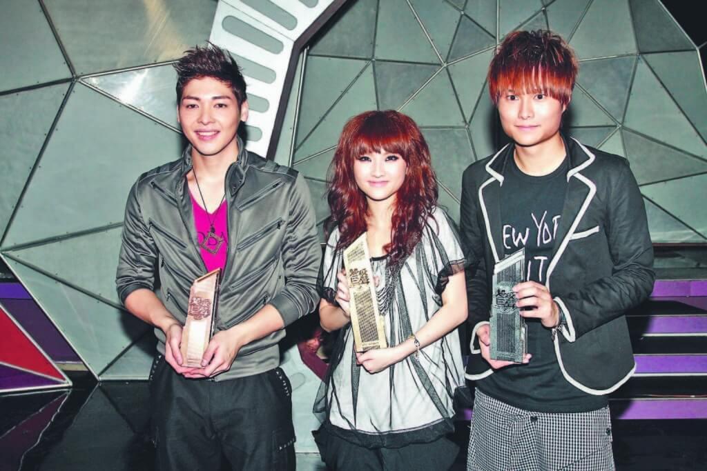 羅孝勇在2010年《超級巨聲2》拿季軍,林欣彤冠軍,胡鴻鈞亞軍。