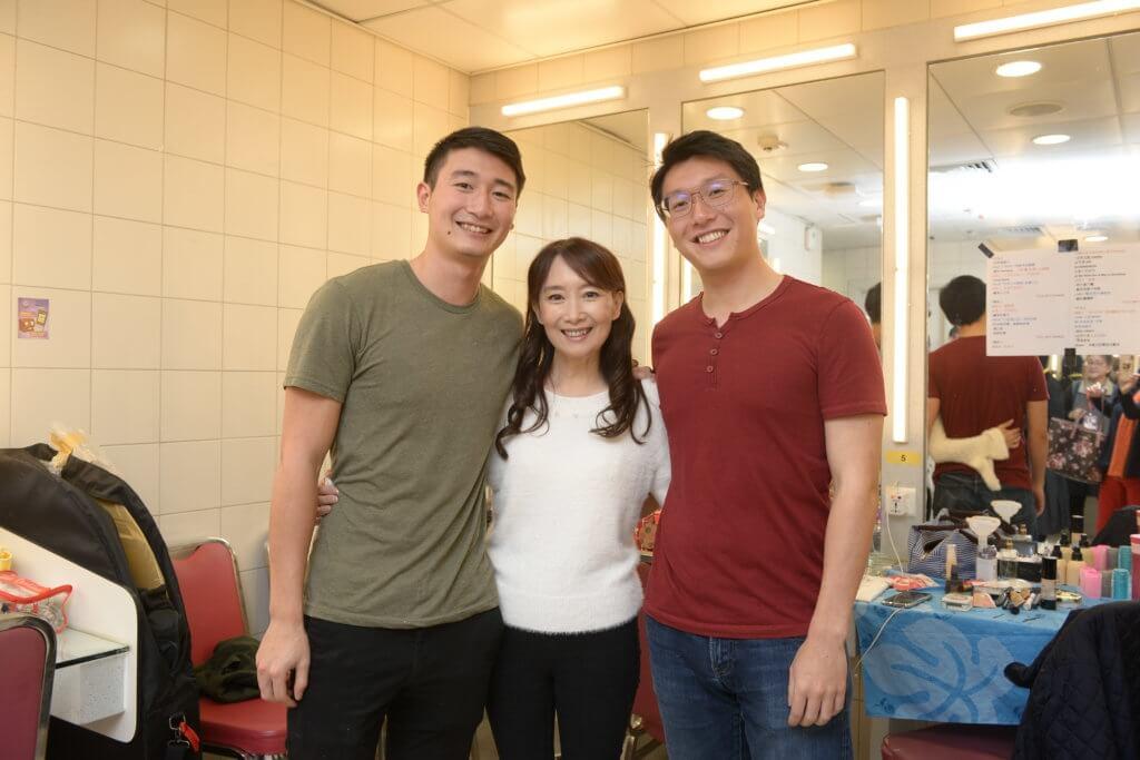 陳美齡幾年前開演唱會,幼子協平 (左) 和次子昇平 (右) 來捧場。