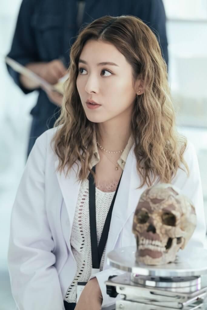 王敏奕在劇集《刑偵日記》飾演法醫人類學家,經常接觸骨頭和真蟲。