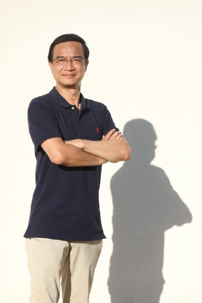 鍾志光由體育老師轉做足球評述員,屬於無綫元老級主持的他已是第八次主持奧運。
