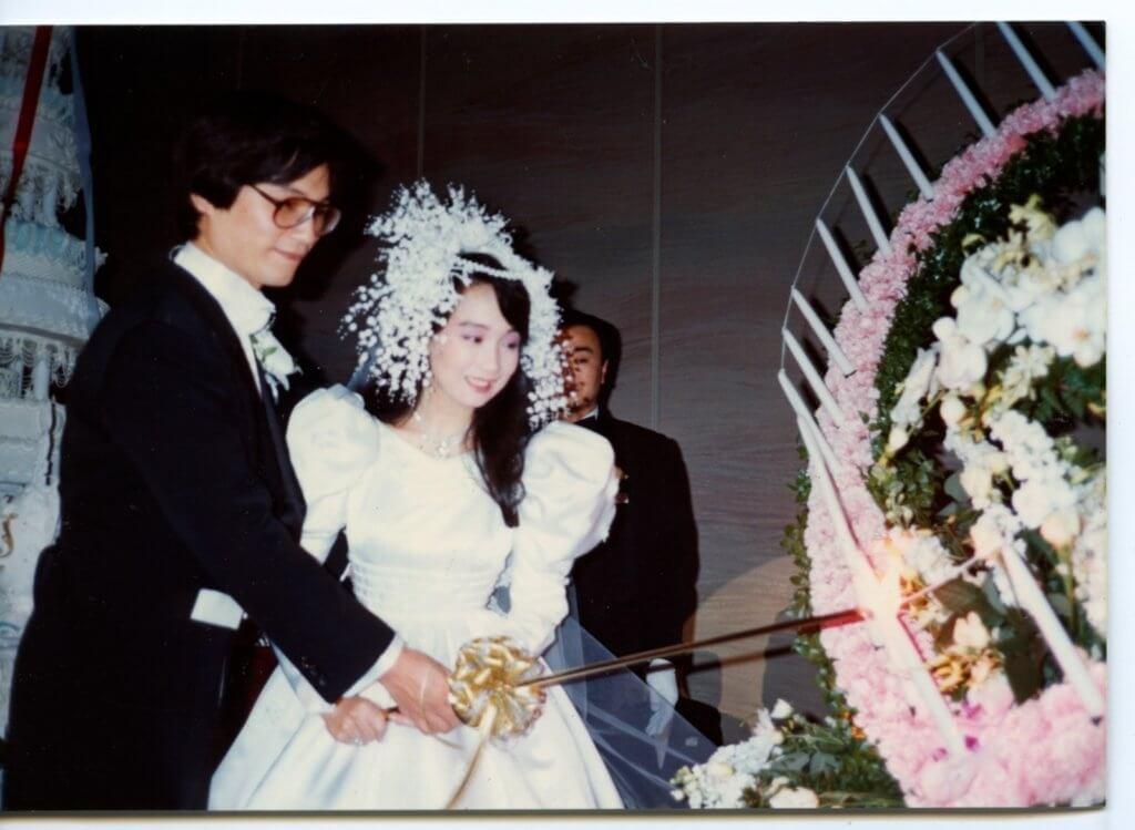 陳美齡1986年跟原本擔任她經理人的日本人金子力結婚