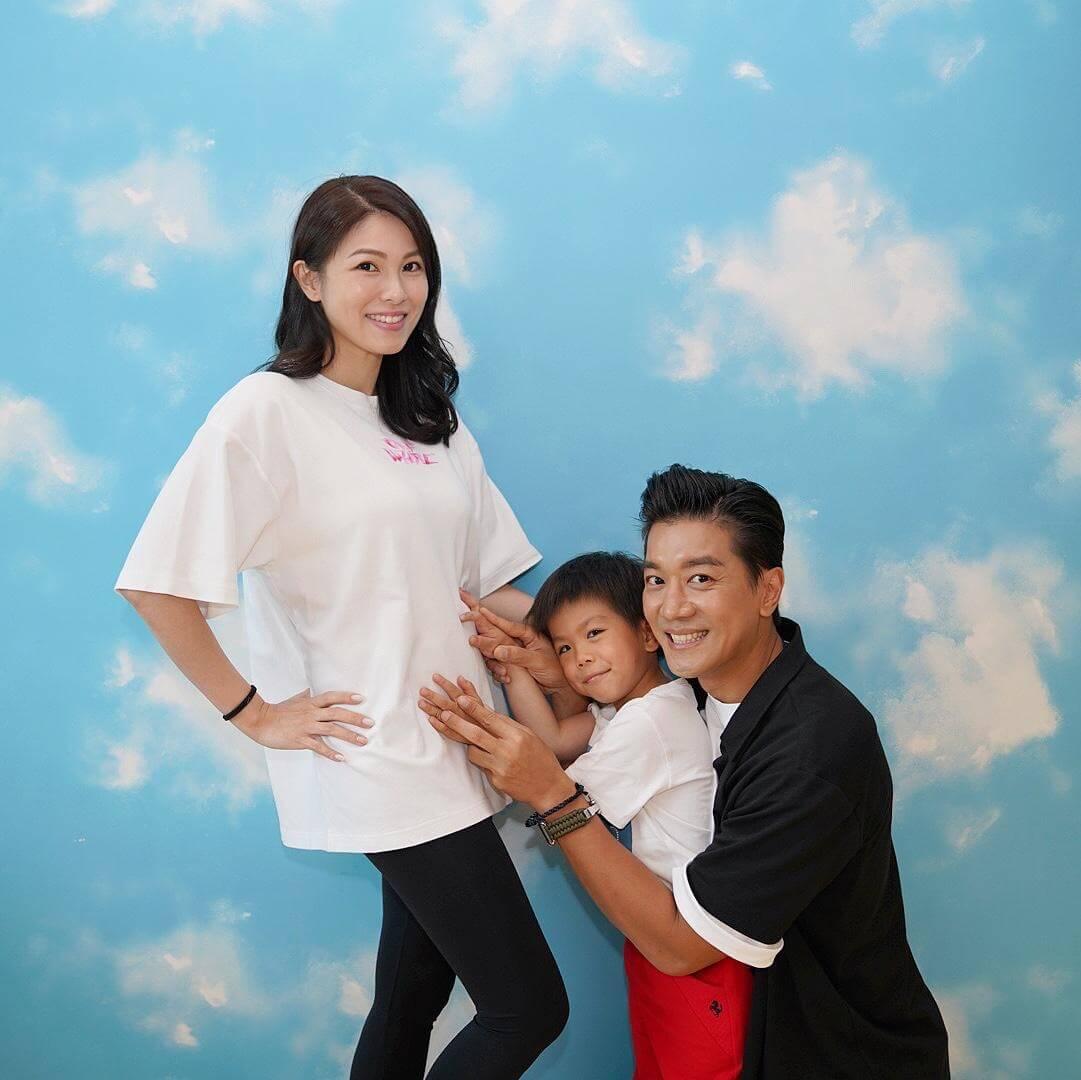 黎諾懿終於可以開心分享太太懷孕的喜訊,小春雞亦快做哥哥,一家四口相當溫馨。