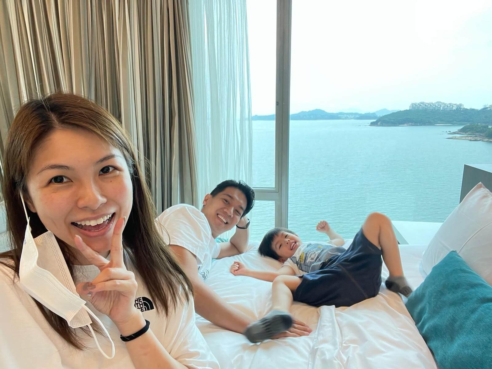雖然不能旅行,但閒時一家三口都會staycation。