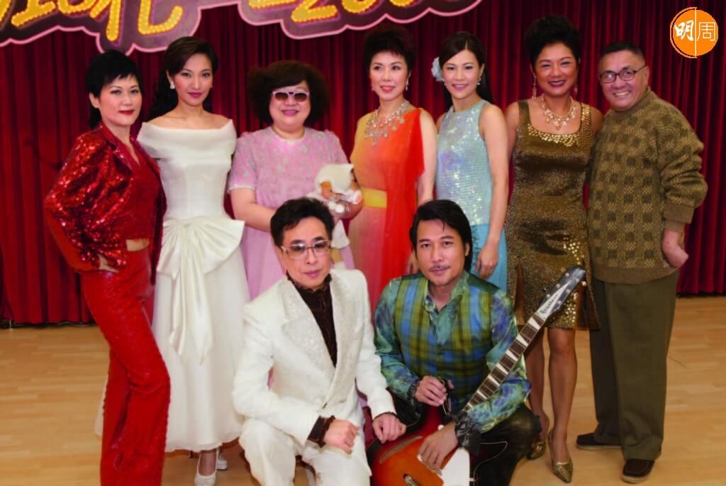 葉振棠參與《麗花皇宮》演出,同劇有沈殿霞。