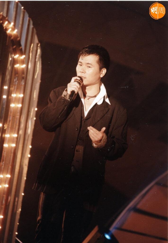 顏聯武在電台憑靚聲上位,也出過唱片。
