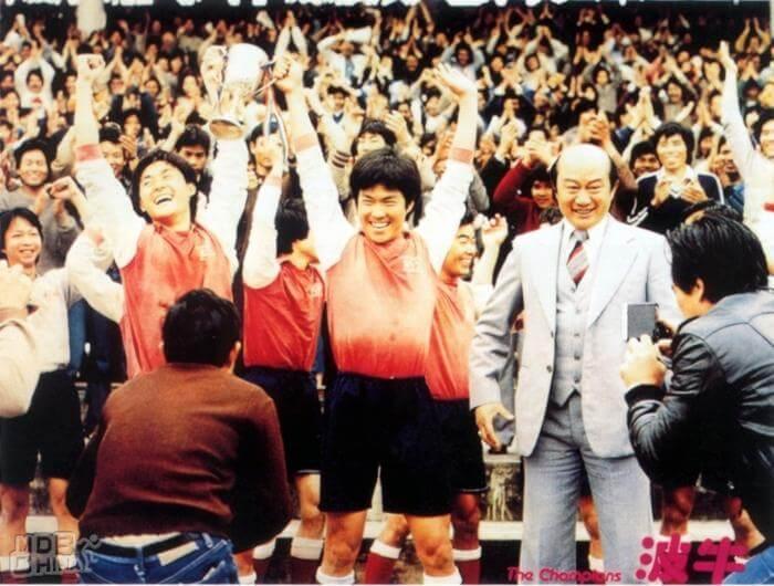 元彪與李賽鳳主演的電影《波牛》在日本大受歡迎。