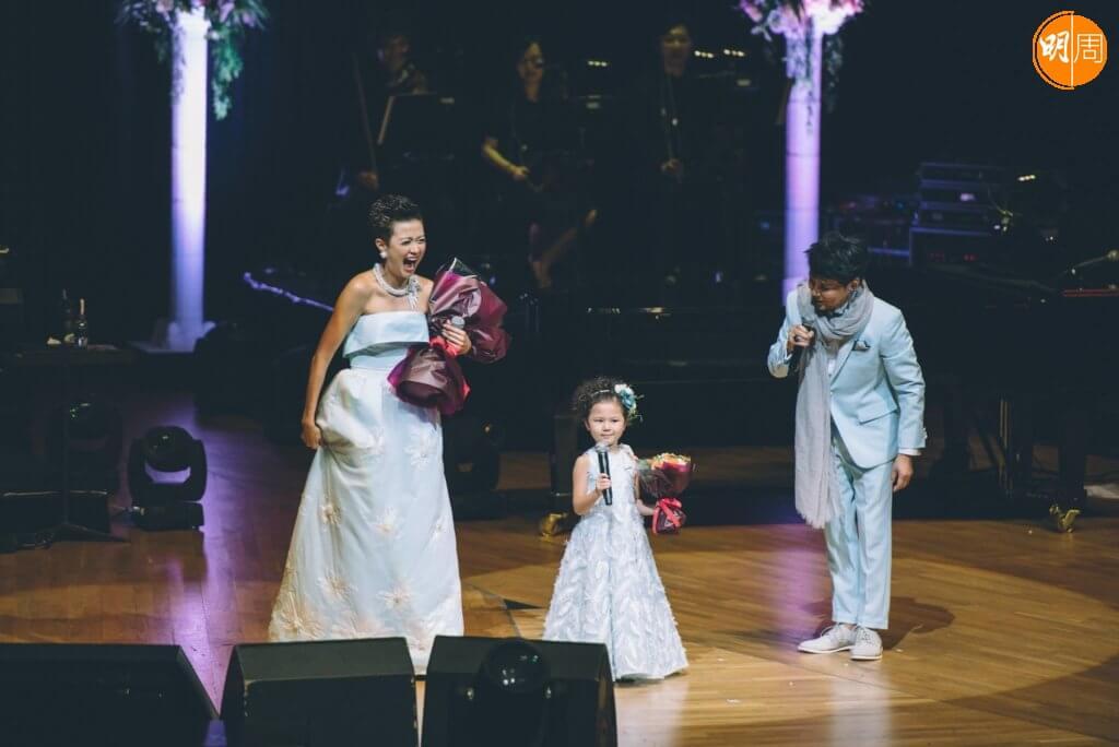 陳禛曾在一七年賈思樂演唱會中,跟媽媽齊齊做嘉賓,不過Mimi說女兒陳禛已九歲,不像小時候喜歡上台表演。