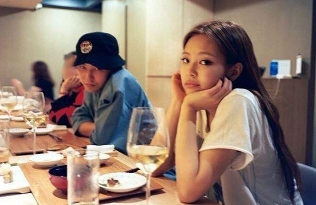 GD早在Jennie十四歲時已認識她,二人可說是青梅竹馬。