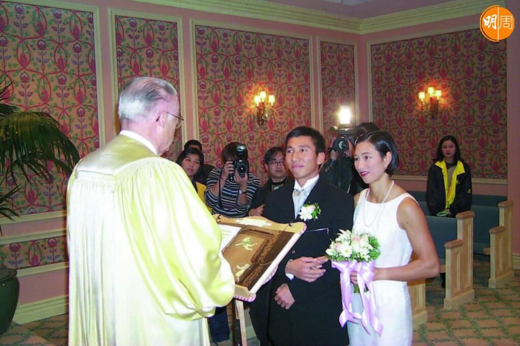 黃德森和李麗珊一九九九年結婚,二十多年依然恩愛。