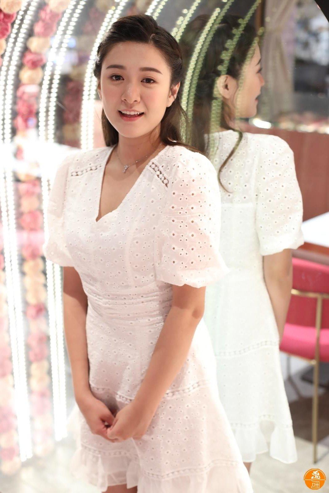 江嘉敏被媽咪勸減肥,令她決定做運動及控制飲食,漸見成效。