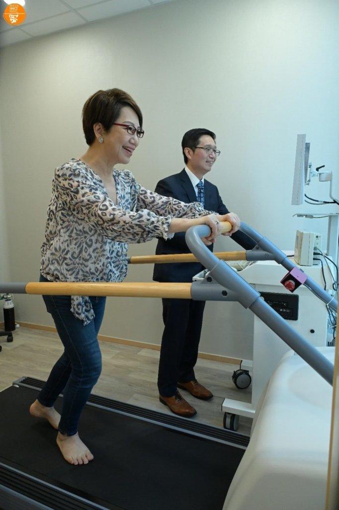 淑梅姐家族有心臟病史,她對心臟健康問題非常關注。