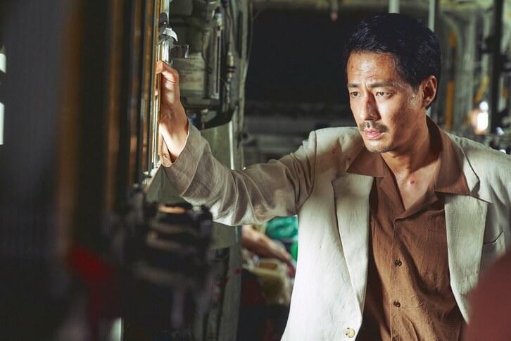 趙寅成在片中的角色狂放而帶點傲慢,頗有發揮。