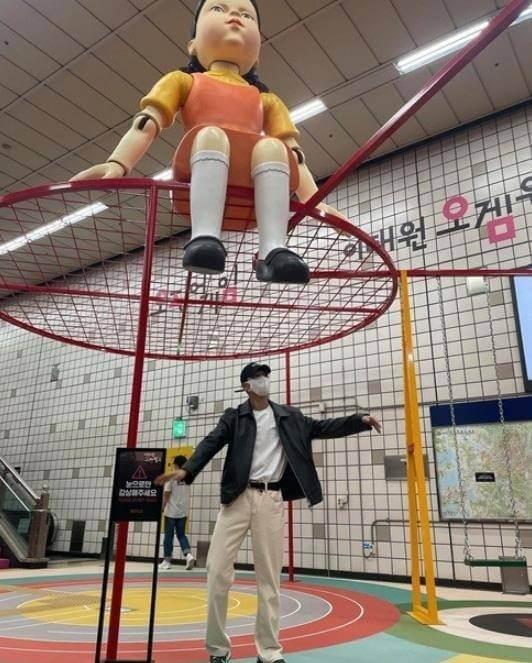 劇集大熱之下推出主題遊戲區,魏河俊也親到現場打卡。